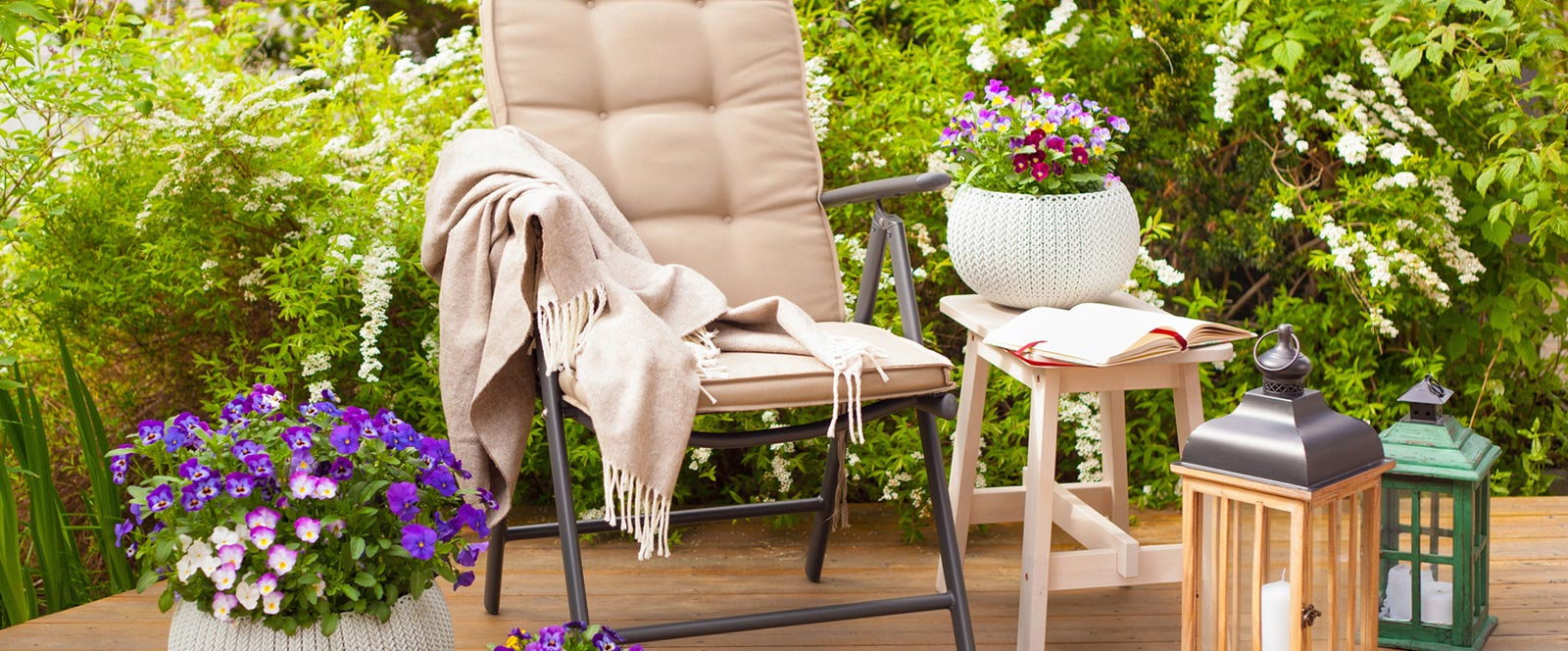 Layer your home and garden with texture and color