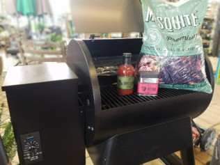 Buy a Traeger Grill, Get a Pallet Bag, Sauce & Rub FREE
