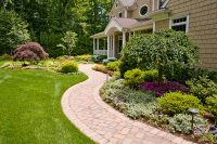 how-family-use-front-yard